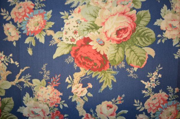 Silvera---Home---Rose-de-Versailles
